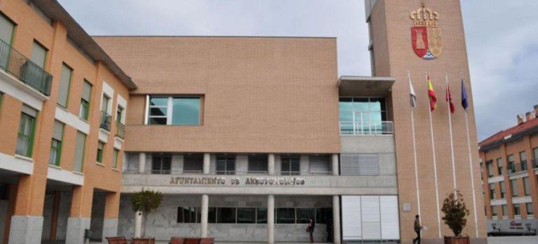 EL AYUNTAMIENTO DE ARROYOMOLINOS Y LA AGENCIA DE VIVIENDA SOCIAL DE LA CAM DEJAN EN SITUACION DE DESAMPARO A UNA FAMILIA CON DOS MENORES